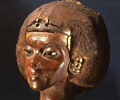 egypt female priest